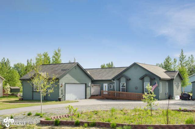 2216 N Thunder Gulch Circle, Palmer, AK 99645 (MLS #17-16513) :: Real Estate eXchange