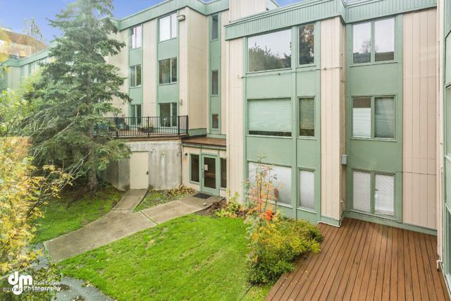 1300 W 7th Avenue #213, Anchorage, AK 99501 (MLS #17-16967) :: Channer Realty Group