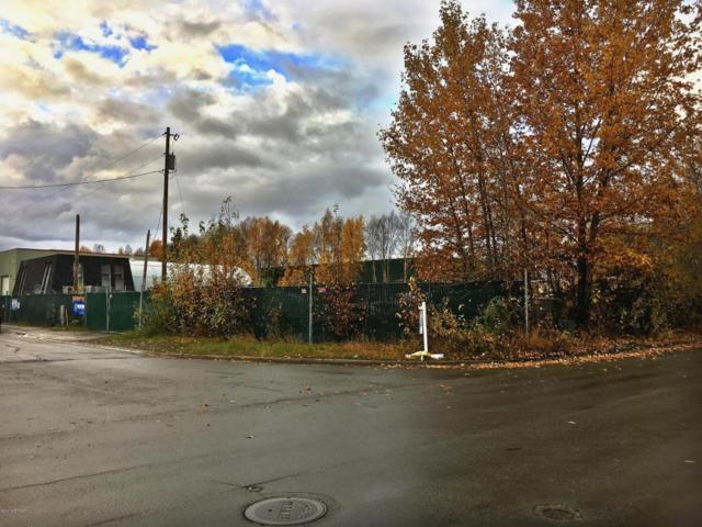 1711 E 82nd Avenue, Anchorage, AK 99507 (MLS #17-17385) :: Channer Realty Group