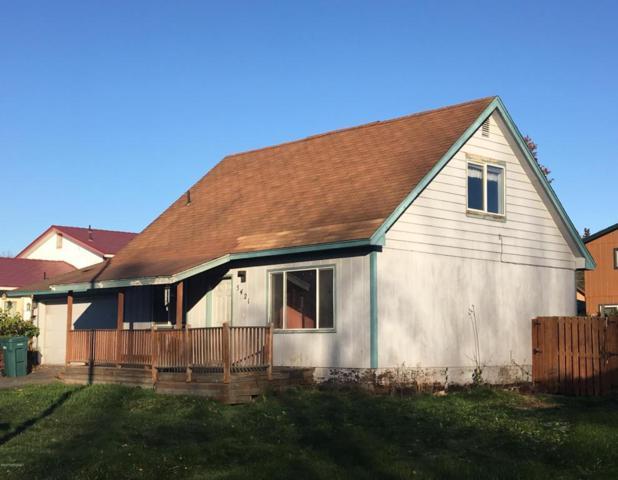 5421 Larkspur Circle, Anchorage, AK 99507 (MLS #17-17755) :: Team Dimmick