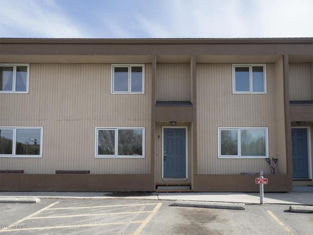 5004 Dartmouth Dr, Fairbanks, AK 99709 (MLS #17-17793) :: Team Dimmick
