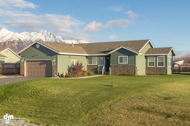 607 N Angus Loop, Palmer, AK 99645 (MLS #17-17814) :: RMG Real Estate Experts