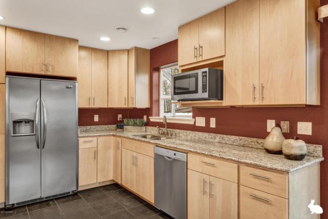 3740 Laron Lane, Anchorage, AK 99504 (MLS #17-17852) :: RMG Real Estate Experts