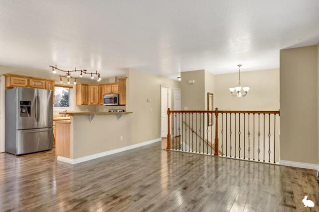 8320 Barnett Drive, Anchorage, AK 99518 (MLS #17-19475) :: RMG Real Estate Experts