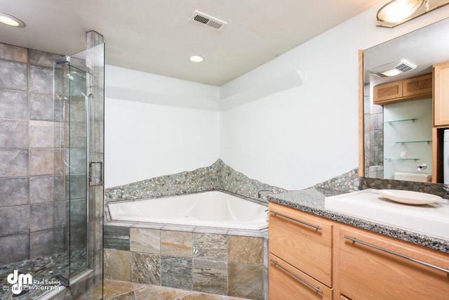 10267 Jamestown Drive #H708, Anchorage, AK 99507 (MLS #18-12133) :: Core Real Estate Group