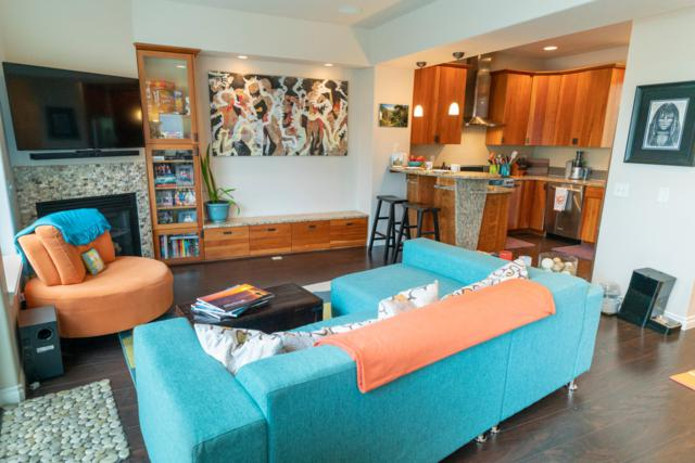 657 Pacific Place #2, Anchorage, AK 99501 (MLS #18-14773) :: Team Dimmick