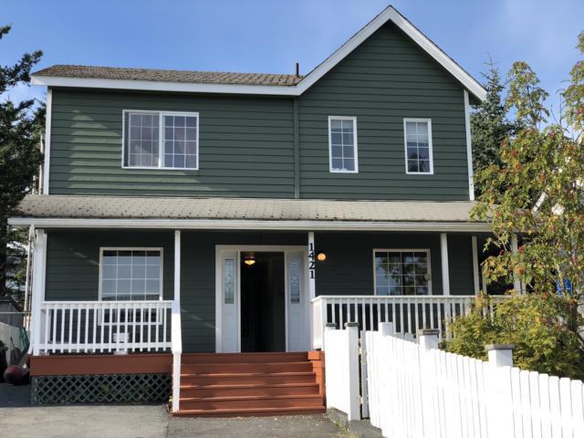 1421 Simeonof Street, Kodiak, AK 99615 (MLS #18-15418) :: Team Dimmick