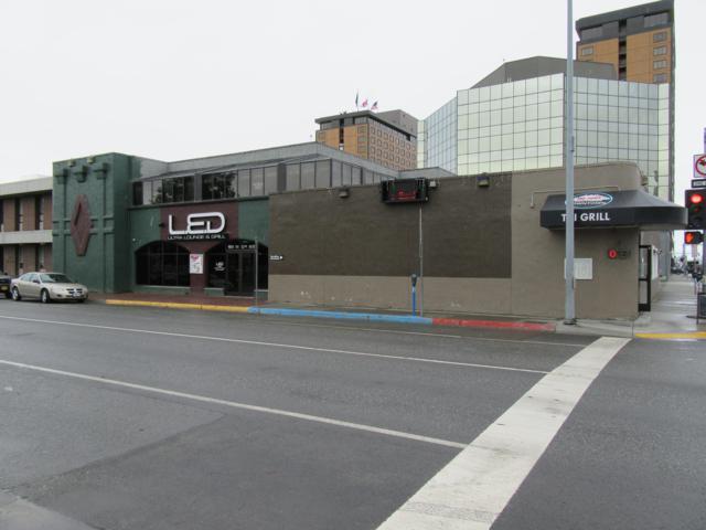 900 W 6th Avenue, Anchorage, AK 99501 (MLS #18-16137) :: Team Dimmick