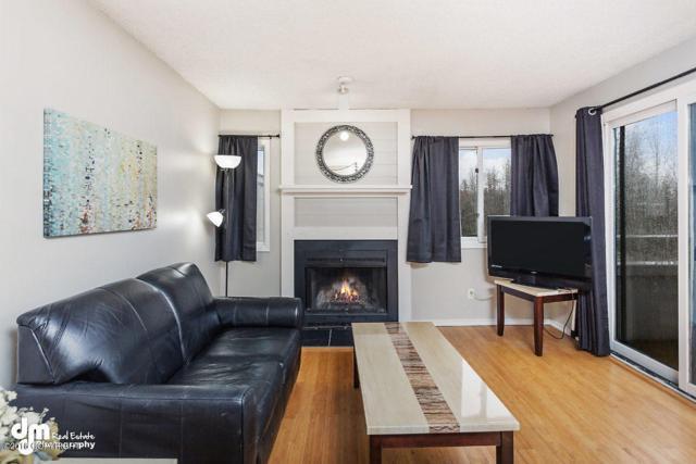 1615 Sitka Street #302, Anchorage, AK 99501 (MLS #18-17543) :: Core Real Estate Group