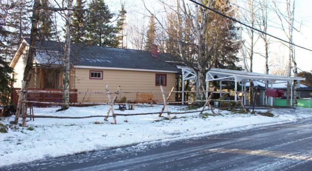 2802 Breezewood Drive, Anchorage, AK 99517 (MLS #18-18681) :: Alaska Realty Experts