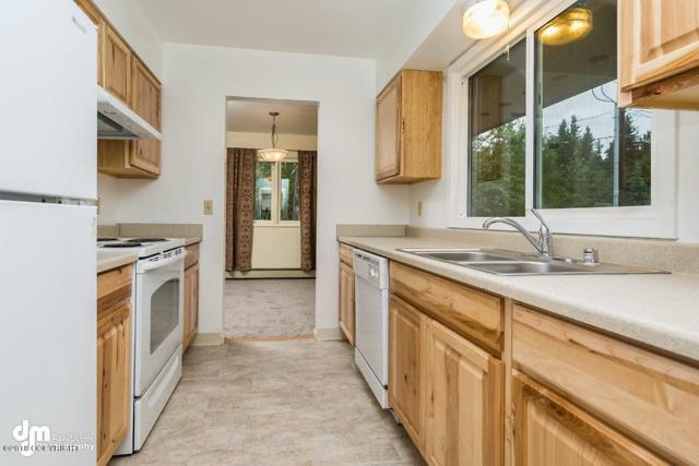 511 W 17th Avenue, Anchorage, AK 99501 (MLS #18-1870) :: RMG Real Estate Network | Keller Williams Realty Alaska Group