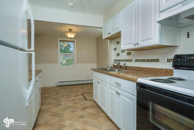 1030 P Avenue #  9, Anchorage, AK 99501 (MLS #18-2477) :: Northern Edge Real Estate, LLC
