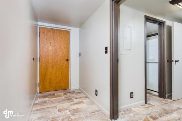 1113 W Fireweed Lane #204, Anchorage, AK 99503 (MLS #18-7741) :: Northern Edge Real Estate, LLC
