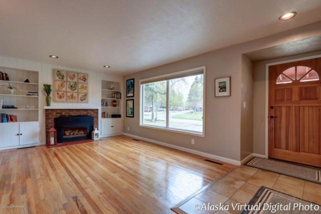 3242 Knik Avenue, Anchorage, AK 99517 (MLS #18-8267) :: Channer Realty Group