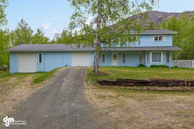 17555 Smith Road, Palmer, AK 99645 (MLS #18-8557) :: Channer Realty Group