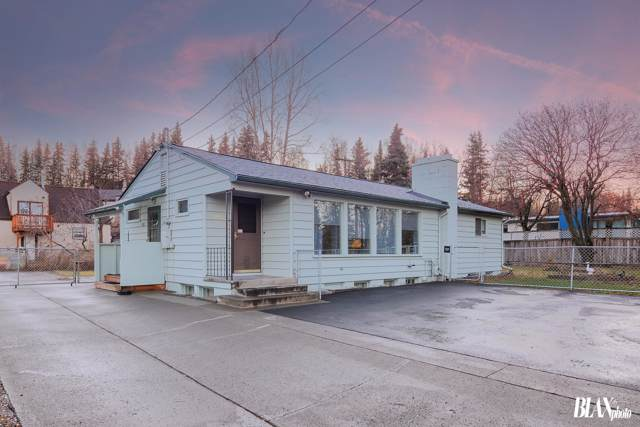 912 W 21st Avenue, Anchorage, AK 99503 (MLS #19-18592) :: RMG Real Estate Network | Keller Williams Realty Alaska Group