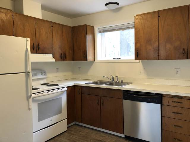 2746 W 42nd Avenue #5, Anchorage, AK 99517 (MLS #19-19443) :: Synergy Home Team