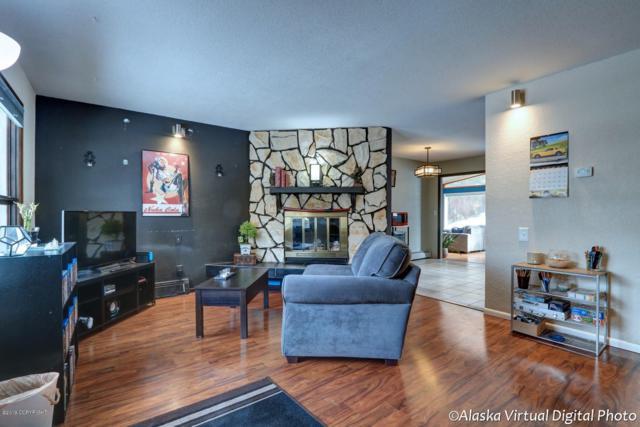 8525 Pluto Drive, Anchorage, AK 99507 (MLS #19-3514) :: Core Real Estate Group