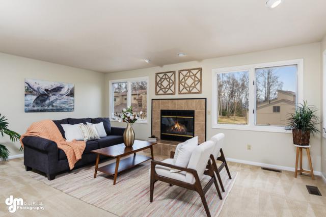2390 Innes, Anchorage, AK 99515 (MLS #19-5825) :: RMG Real Estate Network   Keller Williams Realty Alaska Group