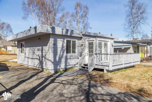 2909 W 35th Avenue, Anchorage, AK 99517 (MLS #19-6579) :: The Adrian Jaime Group | Keller Williams Realty Alaska