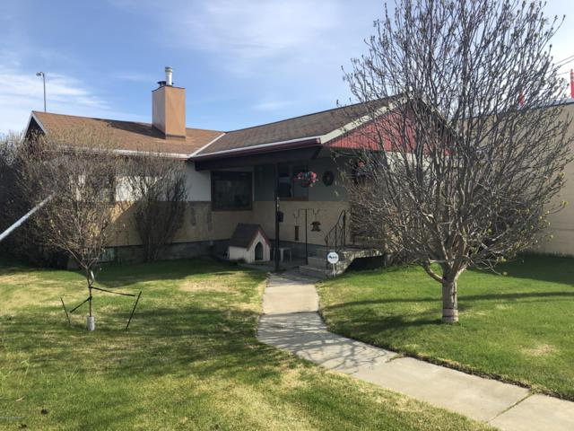2036 E 3rd Avenue, Anchorage, AK 99501 (MLS #19-7790) :: RMG Real Estate Network | Keller Williams Realty Alaska Group