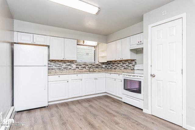 3942 E 8th Avenue, Anchorage, AK 99508 (MLS #19-8798) :: RMG Real Estate Network | Keller Williams Realty Alaska Group