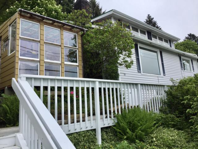210 W Hillcrest Street, Kodiak, AK 99615 (MLS #19-9728) :: RMG Real Estate Network | Keller Williams Realty Alaska Group