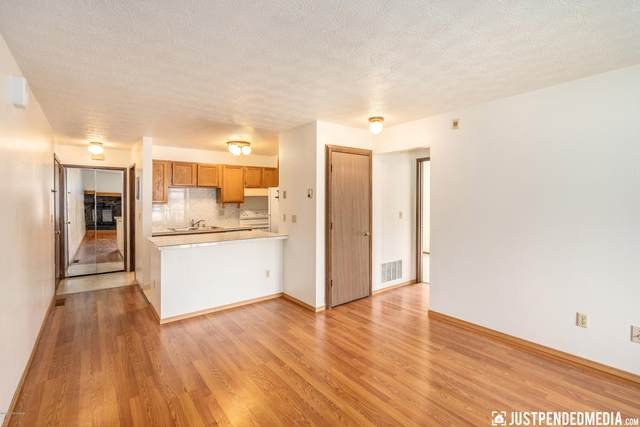 4651 Reka Drive #A3, Anchorage, AK 99508 (MLS #20-10102) :: Wolf Real Estate Professionals