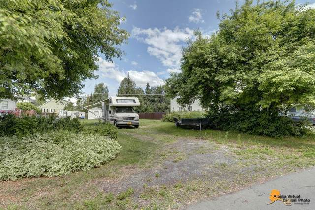 L10 B3 E 11 Avenue, Anchorage, AK 99504 (MLS #20-10336) :: Team Dimmick