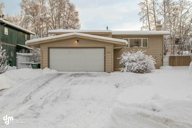 3627 Checkmate Drive, Anchorage, AK 99508 (MLS #20-1071) :: Synergy Home Team