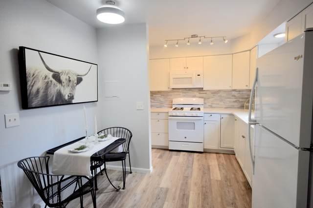 9336 Blackberry Street, Anchorage, AK 99502 (MLS #20-10751) :: Roy Briley Real Estate Group