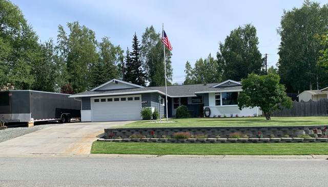 4227 Irene Drive, Anchorage, AK 99504 (MLS #20-12377) :: Wolf Real Estate Professionals