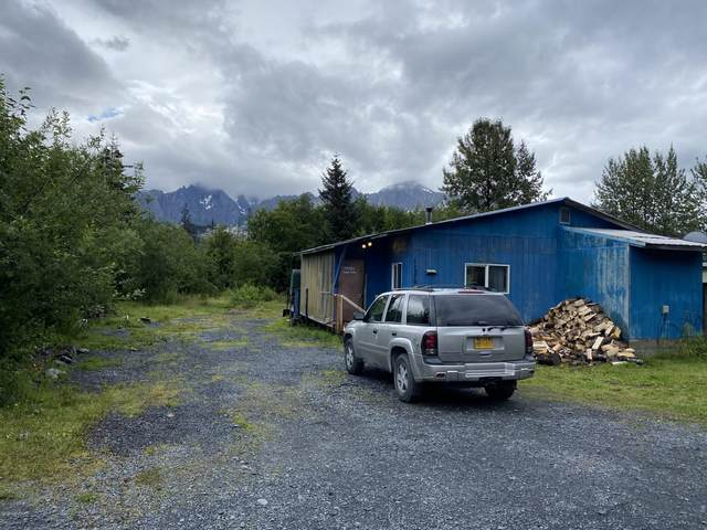 11570 Eagle Lane, Seward, AK 99664 (MLS #20-12463) :: Wolf Real Estate Professionals