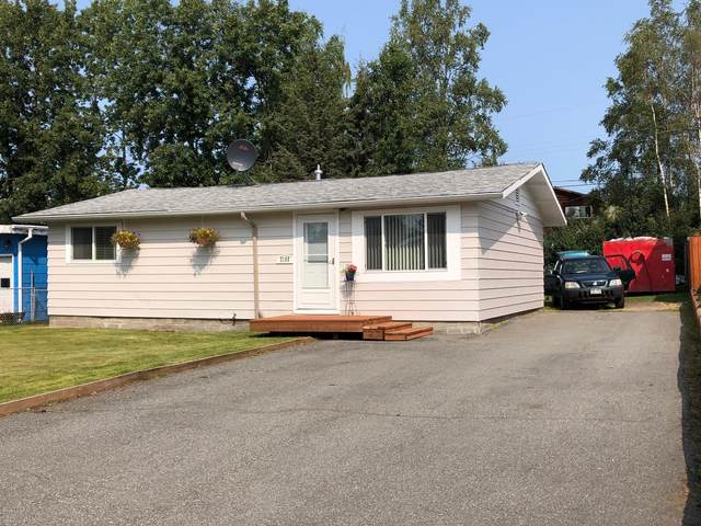 2105 W 46th Avenue, Anchorage, AK 99517 (MLS #20-12486) :: Wolf Real Estate Professionals