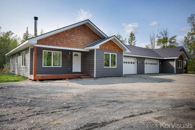 4900 W Epping Court, Wasilla, AK 99623 (MLS #20-12703) :: Team Dimmick