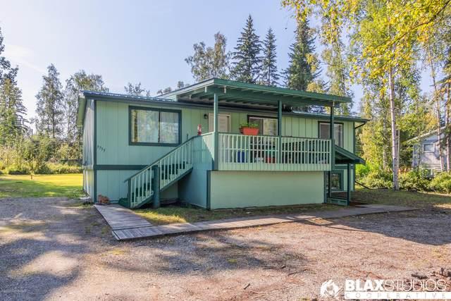 3755 Mitchell Avenue, Fairbanks, AK 99709 (MLS #20-13877) :: Wolf Real Estate Professionals