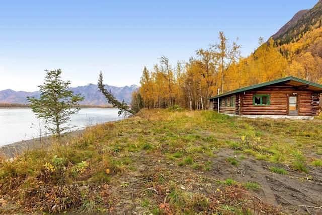 8982 S Old Glenn Highway, Palmer, AK 99645 (MLS #20-15312) :: Wolf Real Estate Professionals