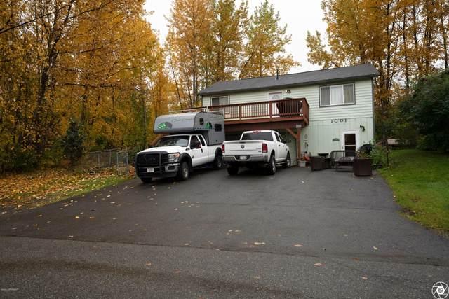 1001 Friendly Lane, Anchorage, AK 99504 (MLS #20-15366) :: Wolf Real Estate Professionals