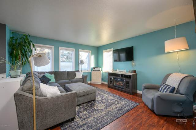 6149 Doil Circle, Anchorage, AK 99507 (MLS #20-16159) :: Wolf Real Estate Professionals