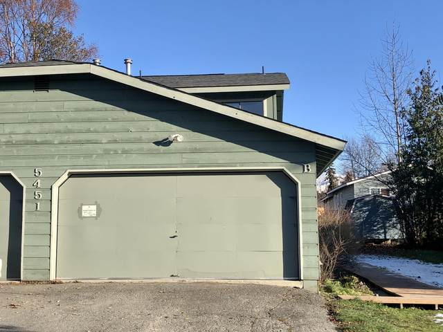 5451 Windflower Circle, Anchorage, AK 99507 (MLS #20-16432) :: Synergy Home Team
