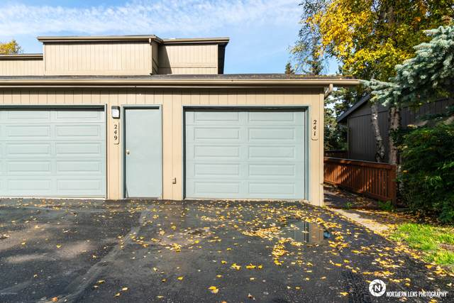 241 W 22nd Avenue, Anchorage, AK 99503 (MLS #20-1698) :: RMG Real Estate Network | Keller Williams Realty Alaska Group