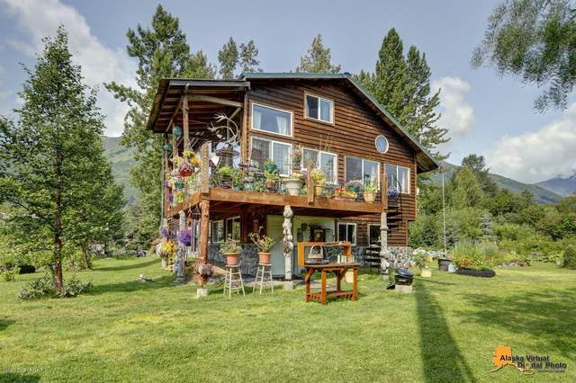 298 Main Street, Girdwood, AK 99587 (MLS #20-17806) :: RMG Real Estate Network | Keller Williams Realty Alaska Group
