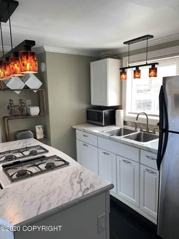 917 E 11th Avenue, Anchorage, AK 99501 (MLS #20-18149) :: RMG Real Estate Network | Keller Williams Realty Alaska Group