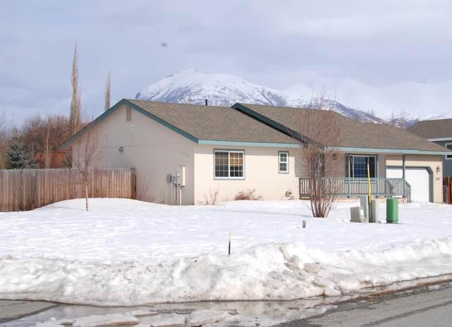 1085 N Angus Loop, Palmer, AK 99645 (MLS #20-3879) :: Wolf Real Estate Professionals