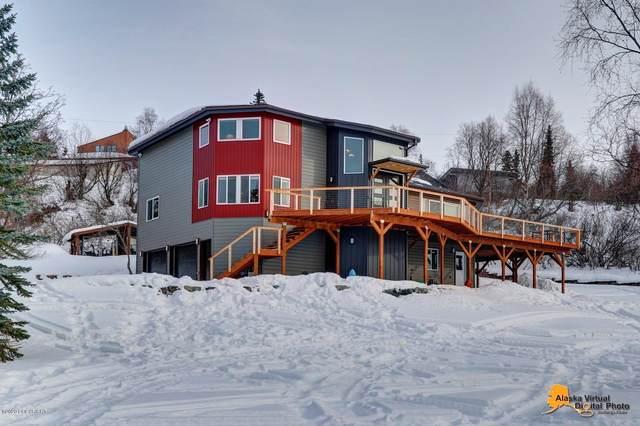 9751 Slalom Drive, Anchorage, AK 99507 (MLS #20-3929) :: Team Dimmick