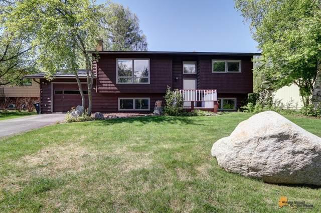 3842 Wesleyan Drive, Anchorage, AK 99508 (MLS #20-7083) :: Team Dimmick