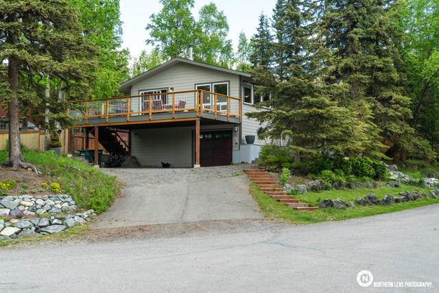 5301 Woodcrest Circle, Anchorage, AK 99507 (MLS #20-7638) :: RMG Real Estate Network | Keller Williams Realty Alaska Group