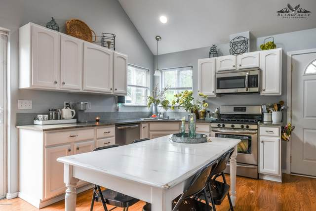 4700 W Sprucewood Drive, Wasilla, AK 99623 (MLS #20-9376) :: Wolf Real Estate Professionals