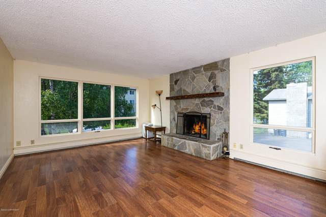 713 W 22nd Avenue, Anchorage, AK 99503 (MLS #20-9496) :: Roy Briley Real Estate Group