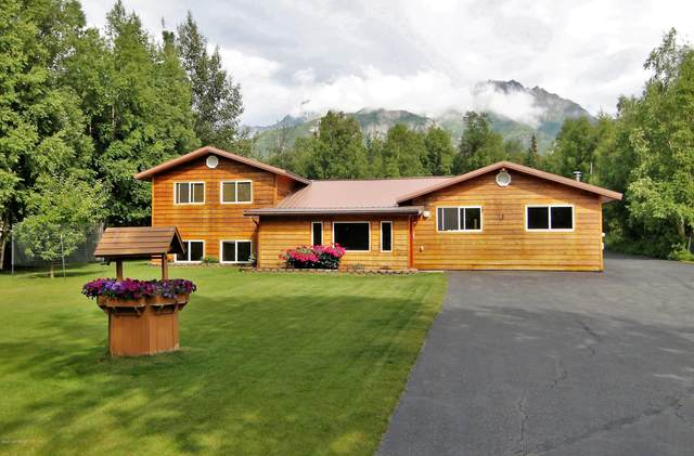 735 N Smith Road, Palmer, AK 99645 (MLS #20-9766) :: Wolf Real Estate Professionals